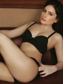 Read more about the article Harshita, Housewife Escorts in Kandivali, Mumbai